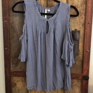 LC periwinkle cold shoulder tank with button front